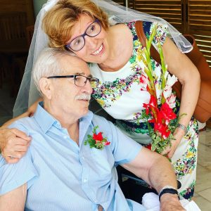 El Hospital de Torrevieja celebra unas Bodas de Oro por sorpresa 7