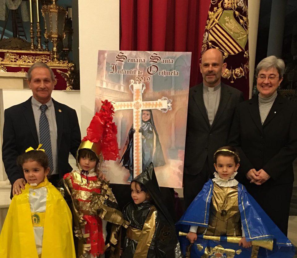 Presentan por primera vez un cartel de la Semana Santa infantil en Orihuela 6