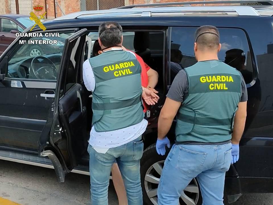 Detenido un hombre en El Ejido que estafaba a empresarios frutícolas de la Vega Baja 6