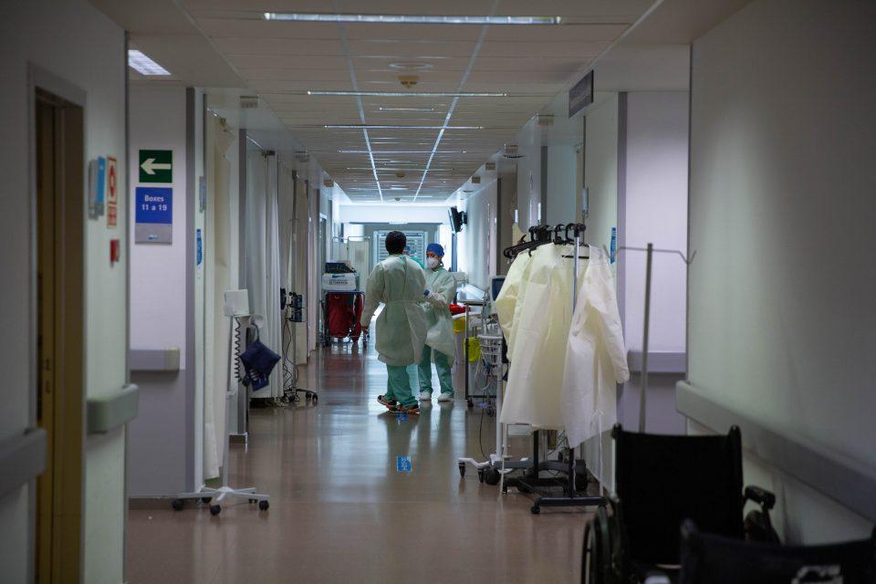 Estas son las normas de acompañamiento en el Hospital de Torrevieja por la COVID-19 6