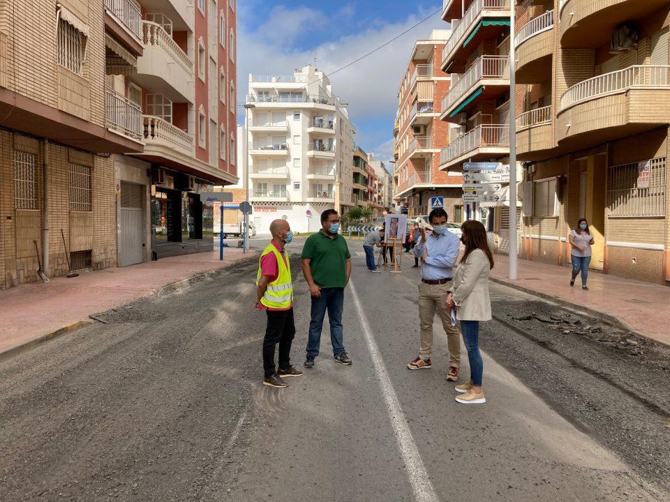 Último tramo de las obras de reasfaltado de la Avenida Purísima en Torrevieja 6