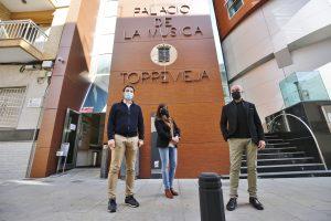 Finaliza la reparación integral de la fachada del Palacio de la Música de Torrevieja 7