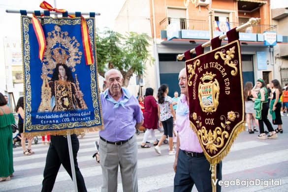 Cox regala a la Virgen del Carmen miles de flores 83