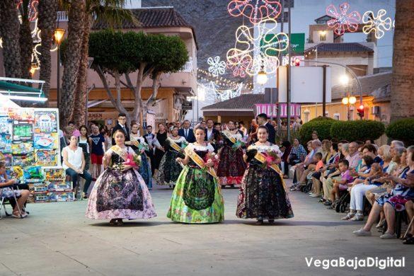 Cox regala a la Virgen del Carmen miles de flores 56