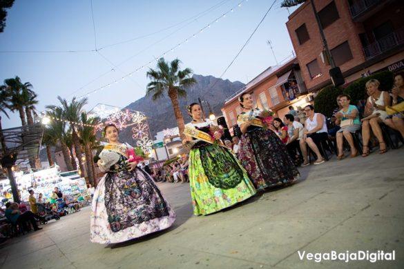 Cox regala a la Virgen del Carmen miles de flores 55