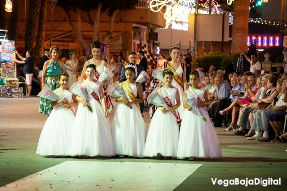 Cox regala a la Virgen del Carmen miles de flores 30