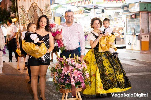 Cox regala a la Virgen del Carmen miles de flores 8