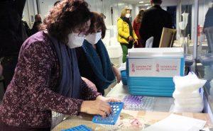 La Comunidad Valenciana inicia la vacunación contra la covid-19 14