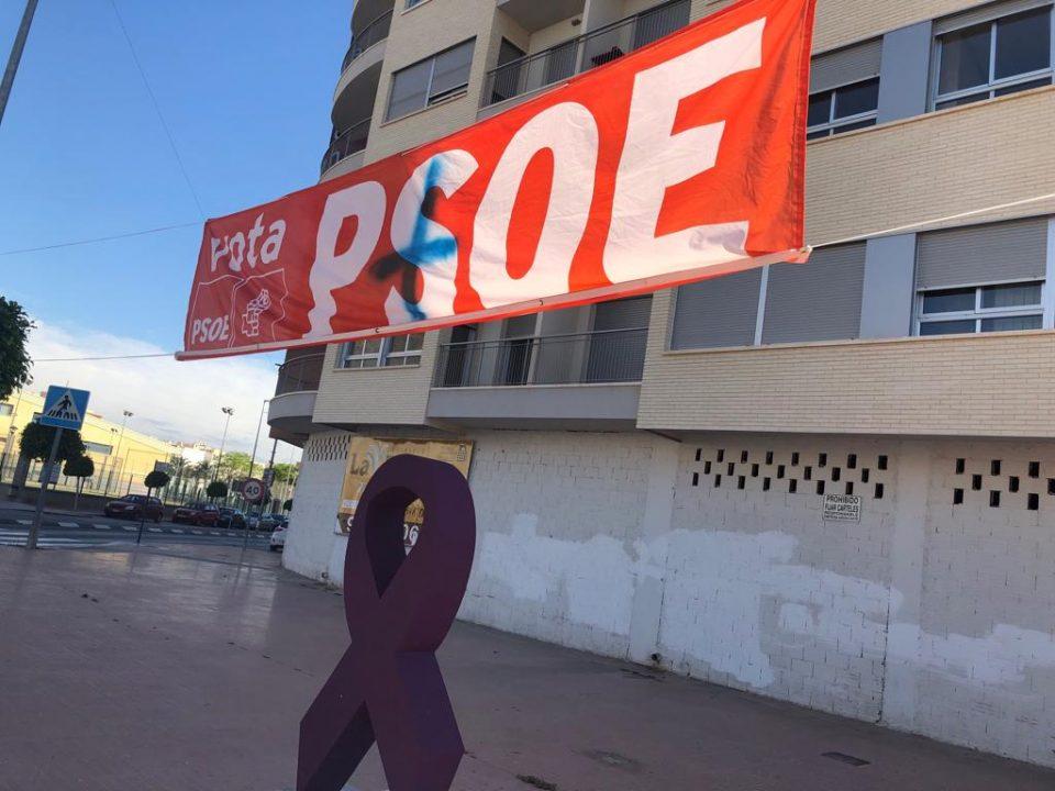 EL PSOE de Callosa denuncia las pintadas sufridas en su propaganda electoral 6