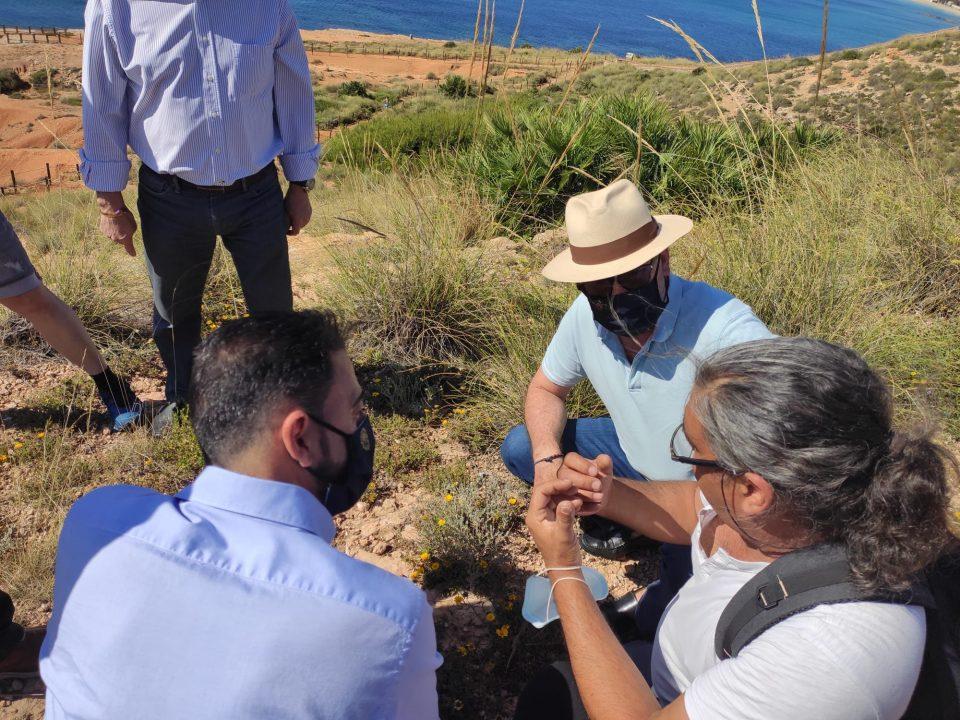 Orihuela estrena senda peatonal y guía de campo sobre la flora de la Cala de la Glea 6