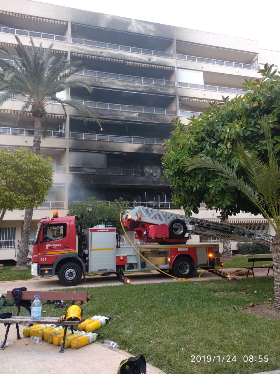 Siete heridos en un incendio en Torrevieja 6