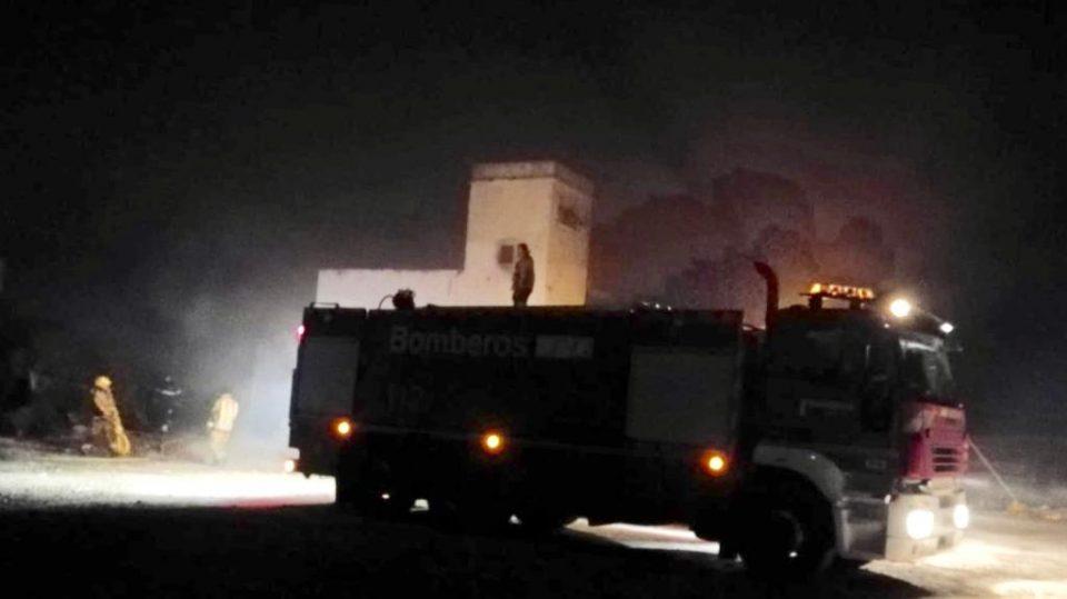 Rescatan a un hombre atrapado en un incendio en Pilar de la Horadada 6