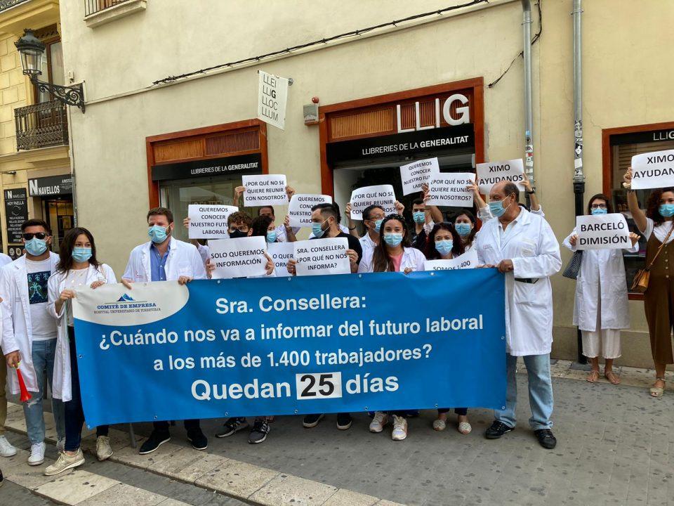 El Comité de Empresa del Hospital de Torrevieja se planta en Las Cortes Valencianas 6