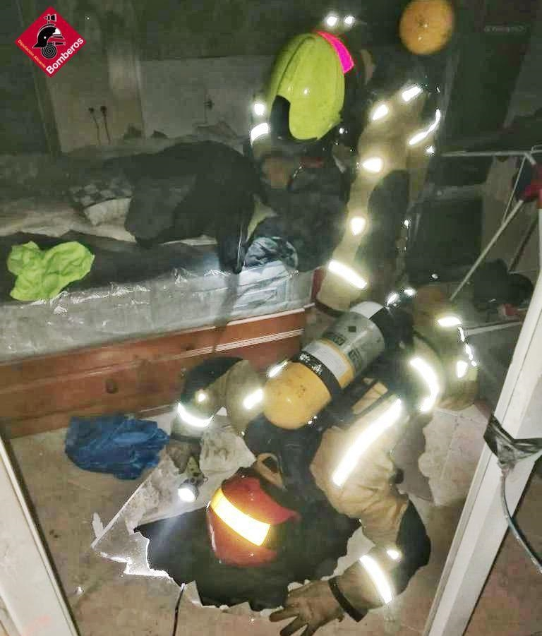 Detenido un hombre con posible Síndrome de Diógenes tras el incendio de su vivienda 6