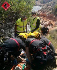 Rescatada una mujer en Orihuela Costa por una caída de cinco metros 7