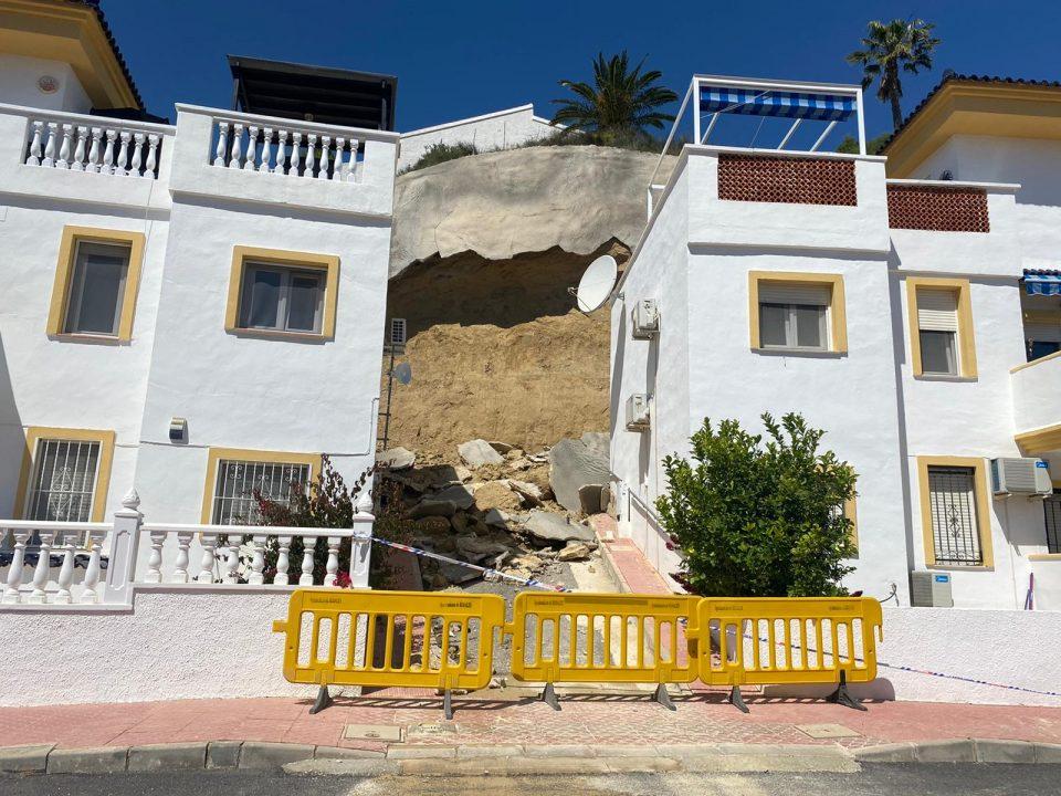 Tres viviendas afectadas en Ciudad Quesada por un desprendimiento a causa de las lluvias 6