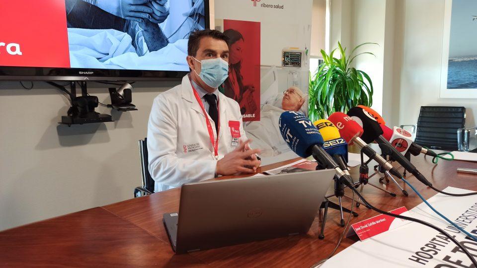 Unos 100 profesionales del Hospital de Torrevieja han decidido no continuar tras la reversión al sistema público 6