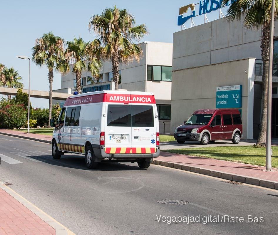 Un coche y una moto colisionan en la CV-905 de Torrevieja 6