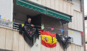 La Calle Aragón de Orihuela cuida a sus mayores y celebra la Feria de Abril 10