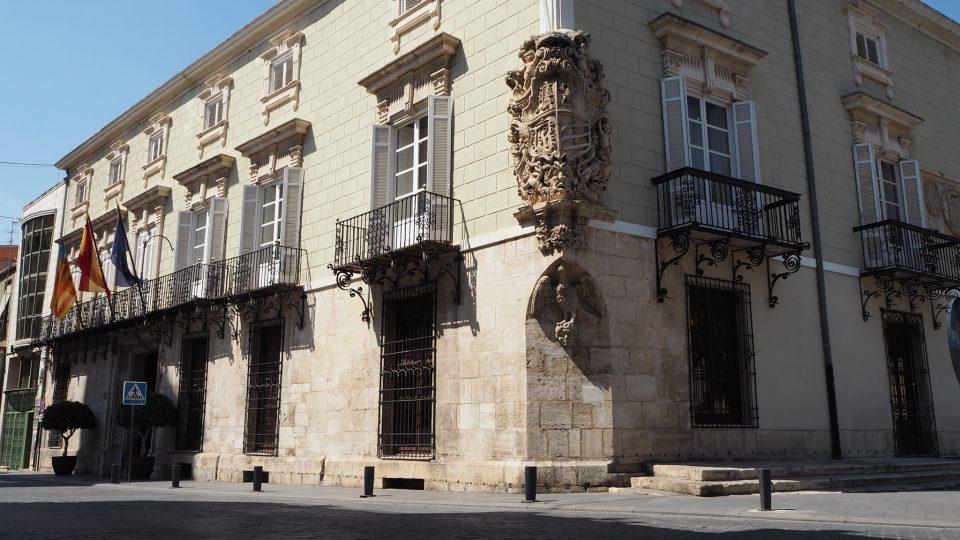 El Ayuntamiento de Orihuela vuelve a trabajar de forma presencial el lunes 6