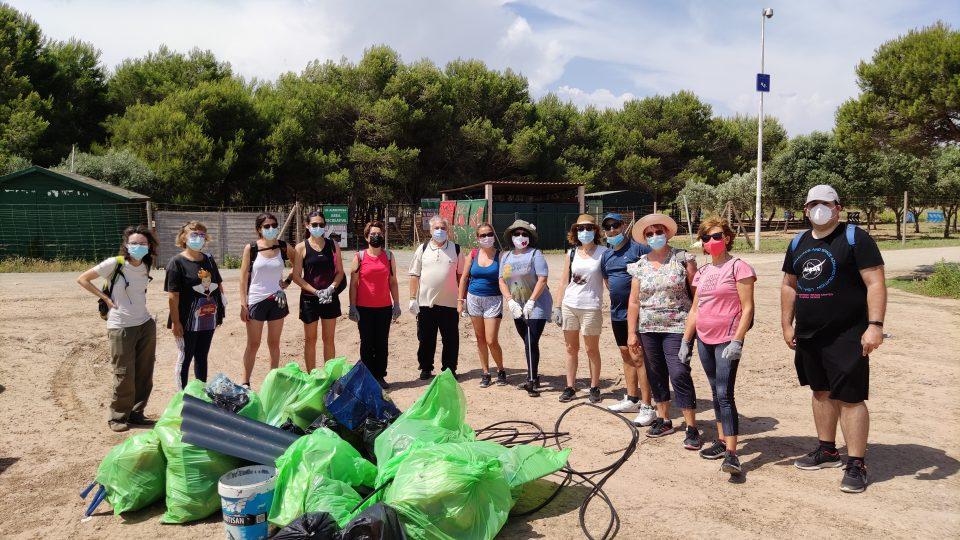 """Más de 60 kilos de """"basuraleza"""" en el Parque Natural de La Mata y Torrevieja 6"""