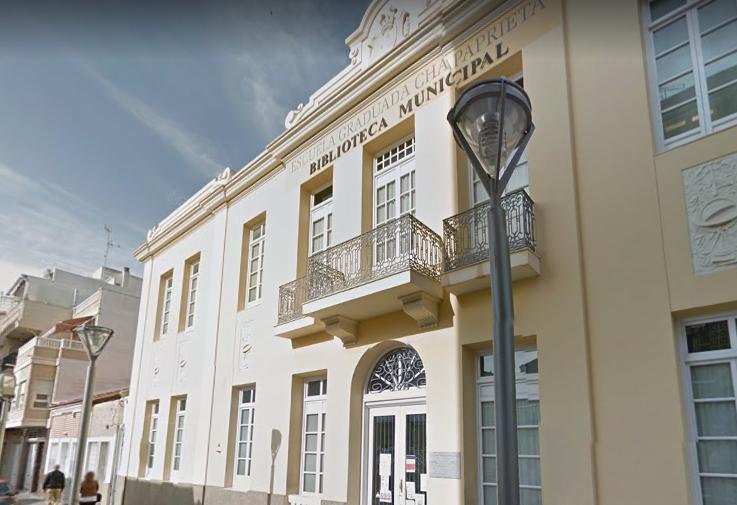 Torrevieja cambia la sala de estudio por la afluencia de estudiantes en fechas de exámenes 6