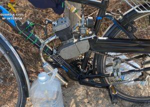 Sancionan a un hombre por circular con una bicicleta con un motor de ciclomotor instalado 7