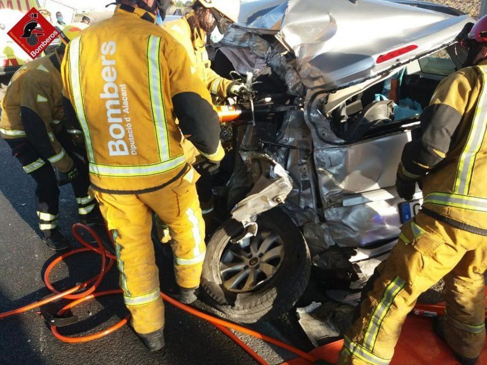 Una mujer fallece en un accidente de tráfico en Granja de Rocamora 6