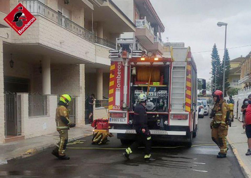 Incendio en el garaje de una vivienda en Formentera del Segura 6
