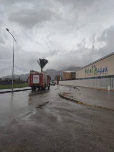 El fuerte viento ocasiona daños en la cubierta del Palacio del Agua de Orihuela 8