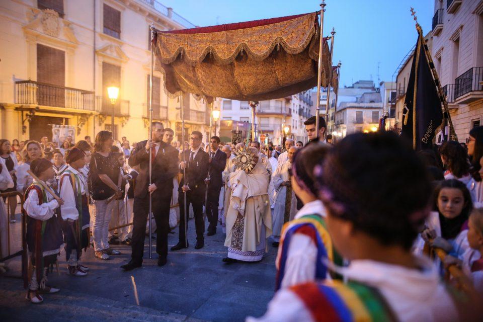 Orihuela se engalana para celebrar el Corpus 6