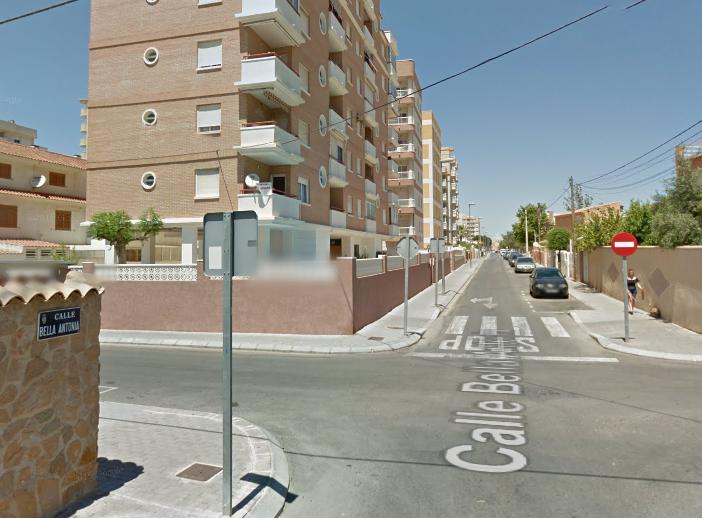 Un hombre cae accidentalmente por un balcón en Torrevieja 6