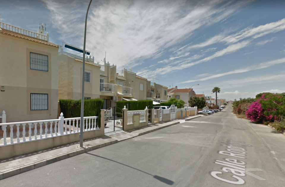 Los Bomberos de Torrevieja encuentran a un hombre fallecido en su casa 6