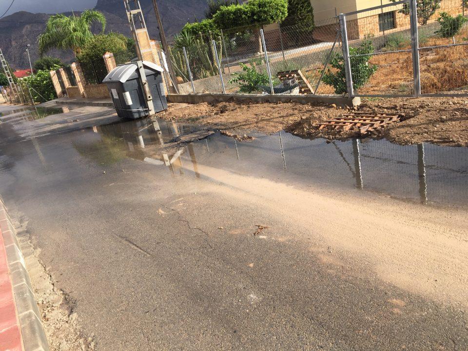Los vecinos de la pedanía El Arenal se quejan del alcantarillado 6