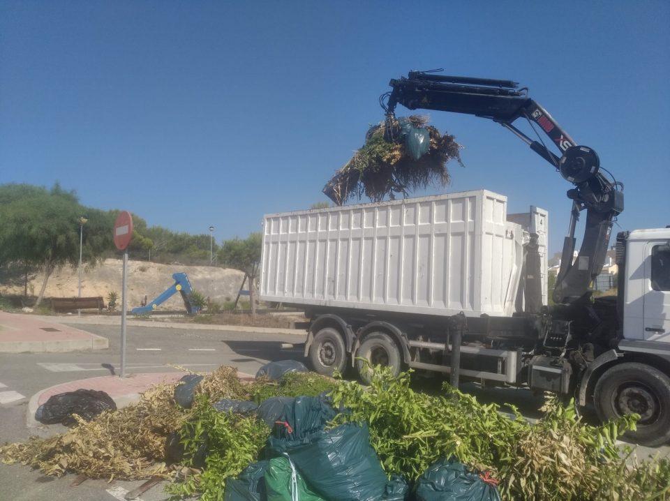 Limpieza Viaria Orihuela prorroga el servicio de camiones de recogida de podas 6