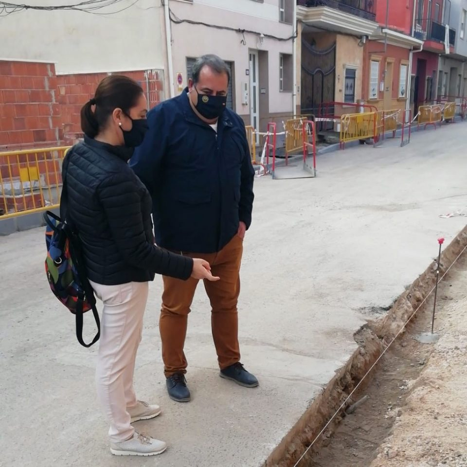 El Ayuntamiento de Orihuela acomete la reposición de red de alcantarillado en el barrio de Las Casas Baratas 6