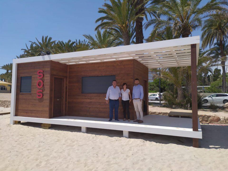 Las playas de Orihuela estrenan casetas de socorrismo 6