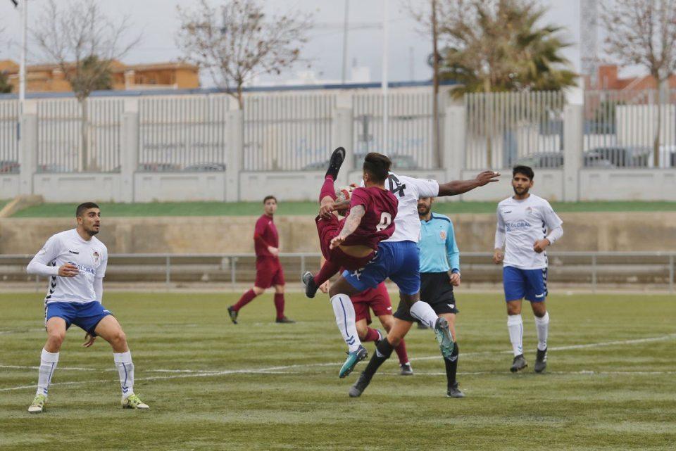 Almoradí y Torrevieja se la juegan en la Preferente 6