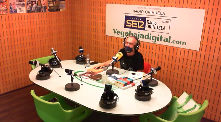 Volver a los veranos de los años 80 en Torrevieja y otras novedades en el Club de Lectura 6