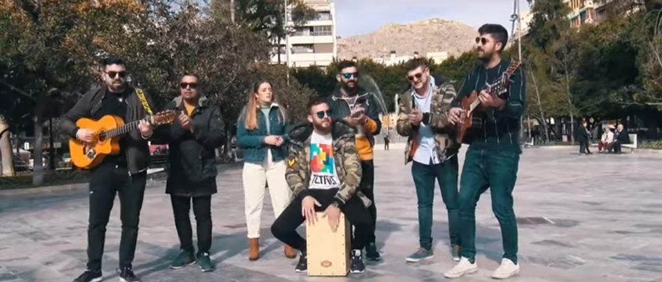 El grupo oriolano La Cochera inicia el movimiento 'Ave Fénix' 6
