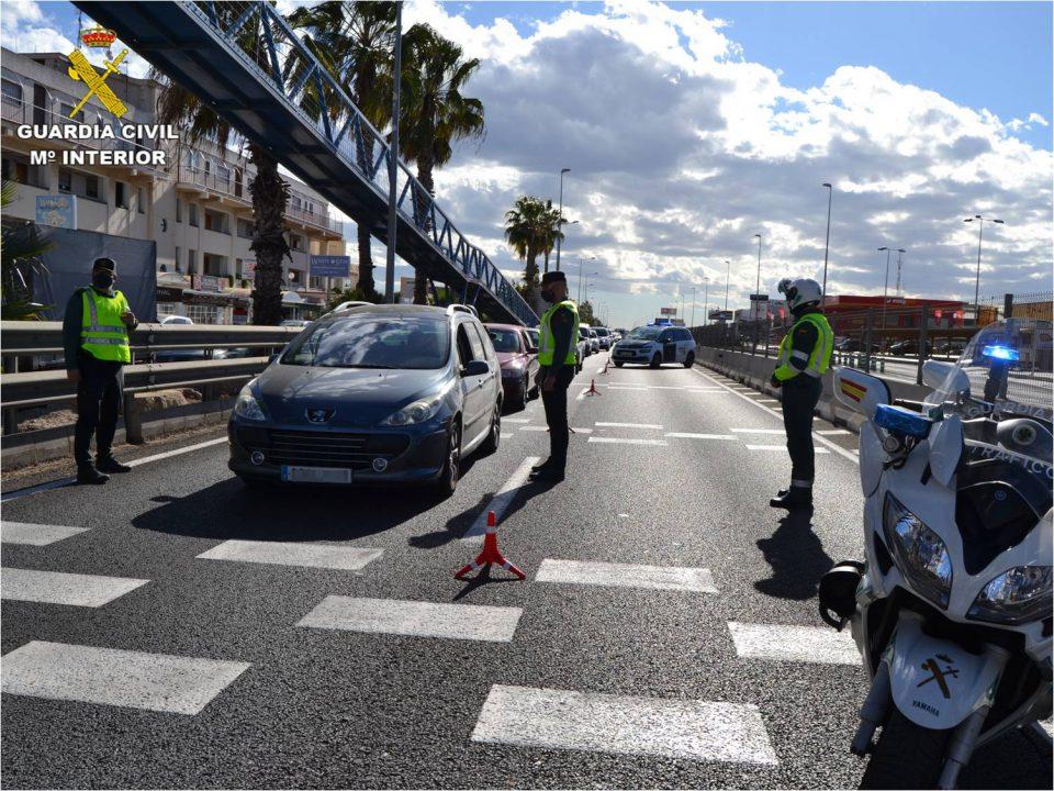 La Guardia Civil continúa con grandes despliegues para el cumplimiento del cierre perimetral 6