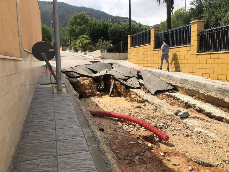 El Ayuntamiento de Orihuela adjudica la reparación de viales afectados por la DANA 6
