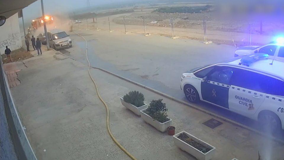 Un hombre quema su coche para cobrar el seguro y termina incendiando un edificio 6