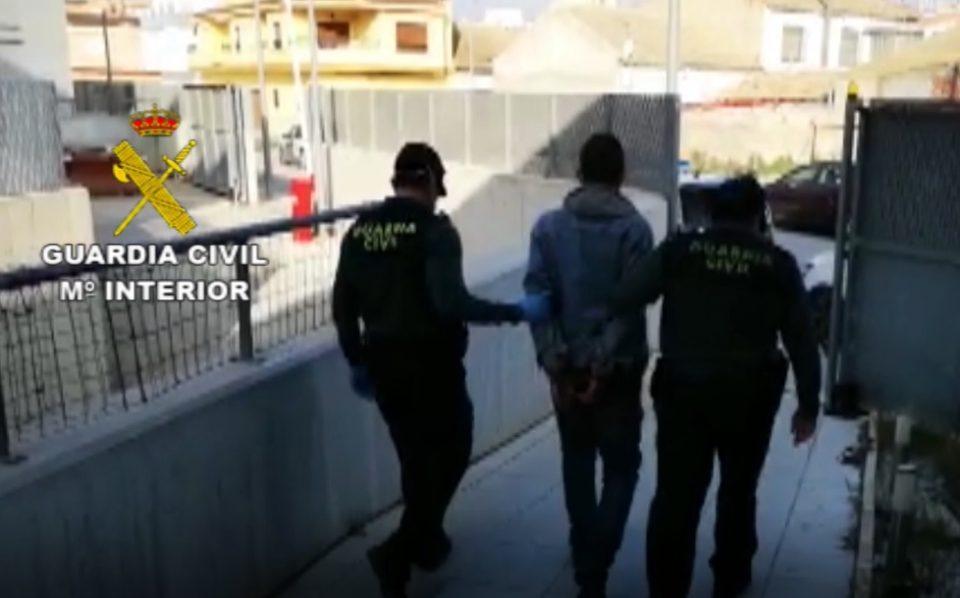 Detenido un hombre en Almoradí que se saltaba el confinamiento para cometer delitos 6