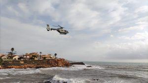 La Guardia Civil continúa la búsqueda de uno de los dos desaparecidos en la Cala de La Zorra 8