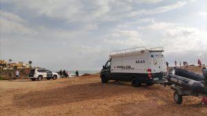 La Guardia Civil continúa la búsqueda de uno de los dos desaparecidos en la Cala de La Zorra 9