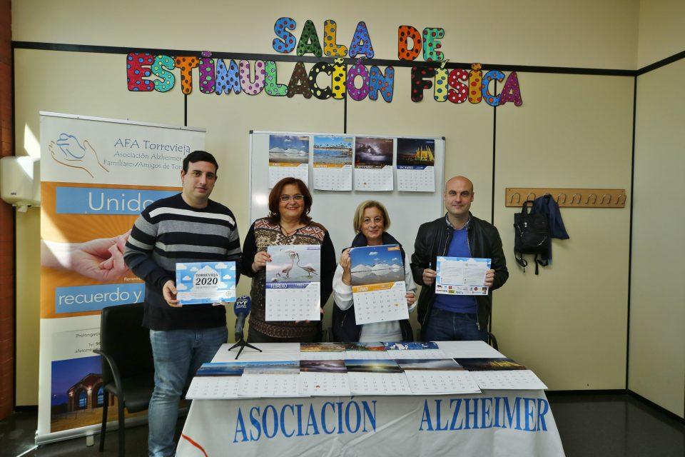 Proyecto Mastral dona 2500 euros a AFA Torrevieja de la venta los calendarios solidarios 6