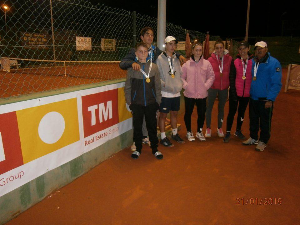 Los infantiles del club de tenis de Torrevieja ganan el campeonato provincial 6