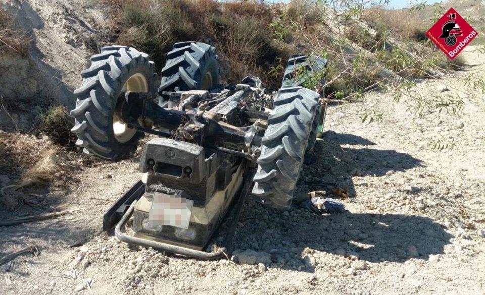 Fallece un hombre de 80 años tras volcar su tractor 6