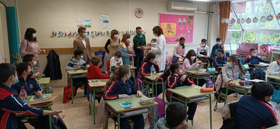 'El futuro del Palmeral, en tus manos' sigue en los centros escolares de Orihuela 6